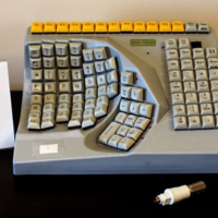 053-si-02_Maltron_Left-Handed_Keyboard.jpg
